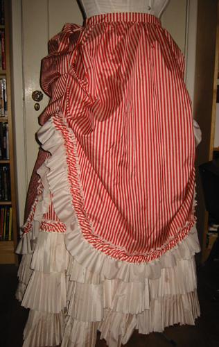 overskirt2