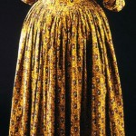1780-85 dress, block printed & painted, England (fabric). Designed for European market. Victoria & Albert Museum