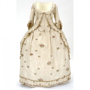 Robe à la Polonaise, 1780-1; Kelvingrove Art Gallery and Museum, Glasgow; 1932.51.I:  http://www.glasgowlife.org.uk/ museums/collections-research/online-collections-navigator/