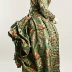 Robe à la Polonaise -- Dress (Robe a la Polonaise), 1774-93; Metropolitan Museum of Art, new York; 34.112a,b: http://www.metmuseum.org/collections