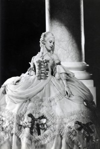 Claimed by Alice | http://www.historicgowns.com/