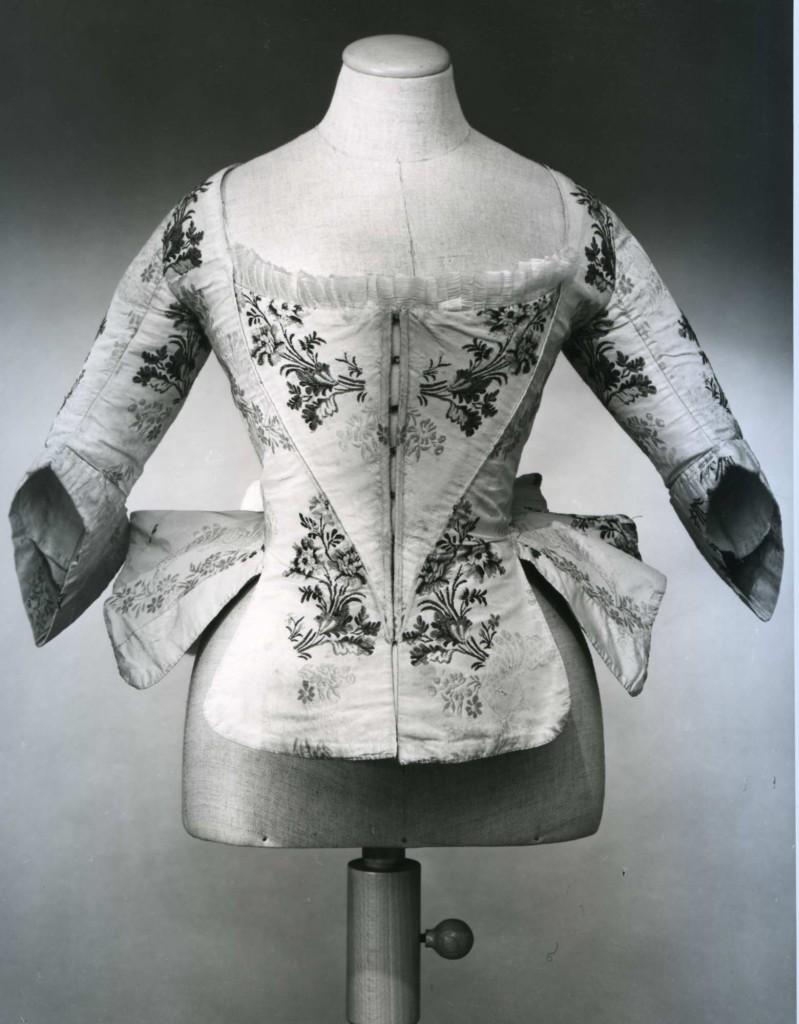 1760-5 Corpetto femminile