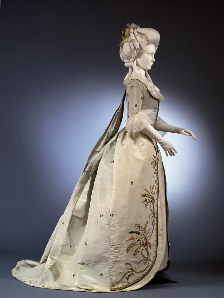 1780  Abito femminile