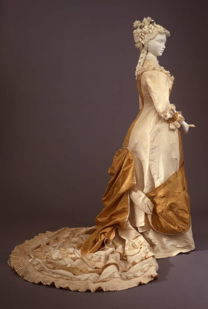 """1880-85 Abito femminile modello """"princesse"""""""